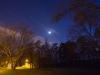 2015 balandis. Verkių parkas naktį